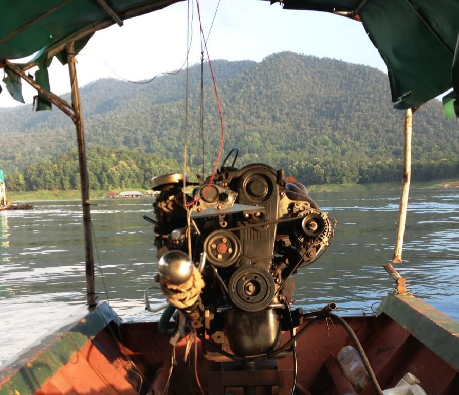 Long tail båd fra Mae Ngat dam