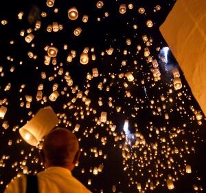 loi krathong lantern_festival_thailand_chiangmai