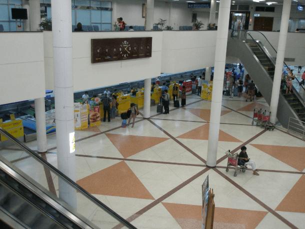 rulletrappen op til check-ind