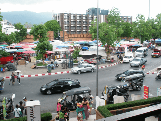 sunday marked ved Tapae Gate