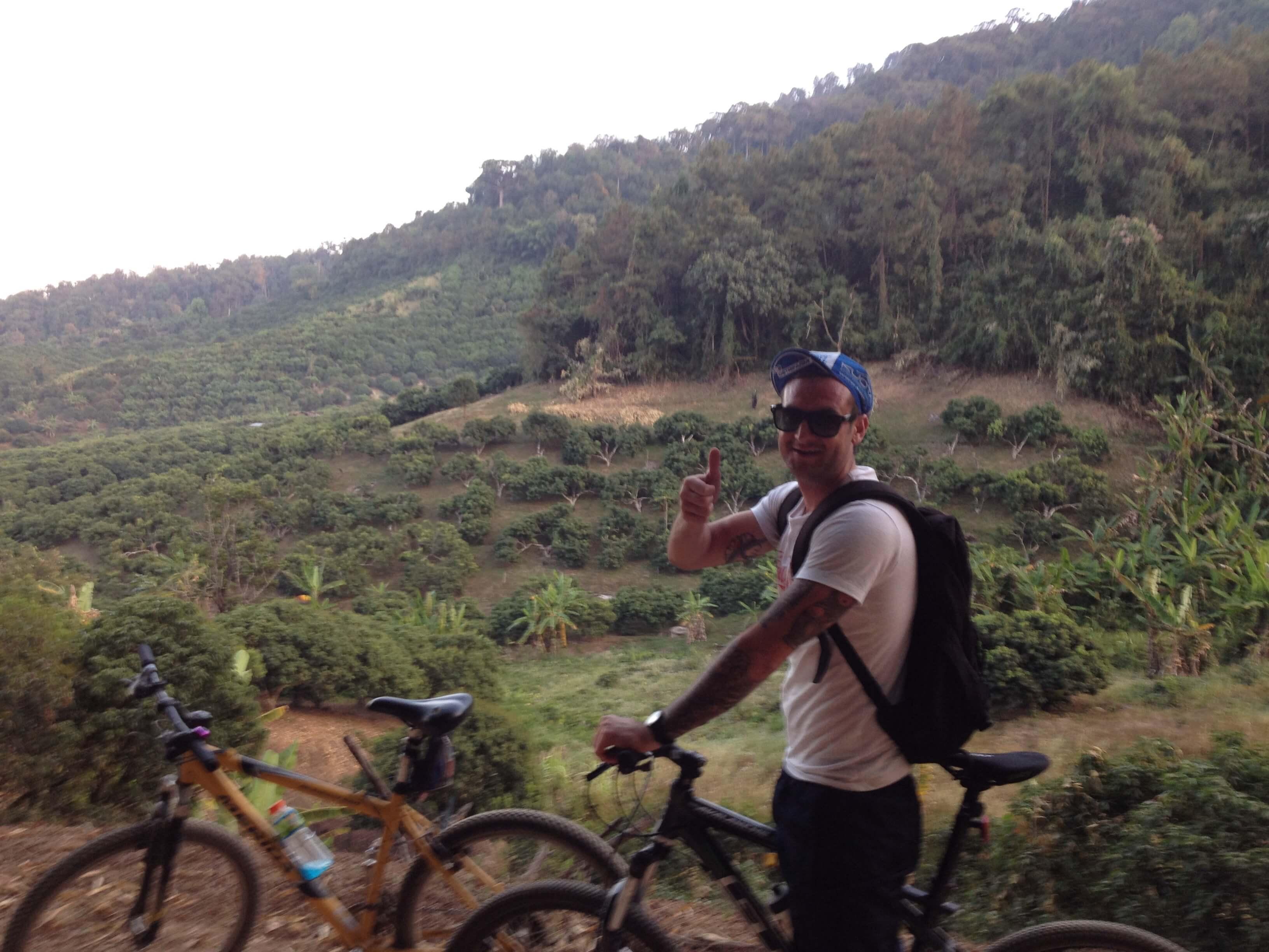 22 km ned af bjergside på mountainbike