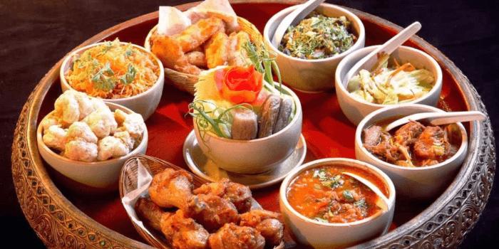 Khan Toke Dinner